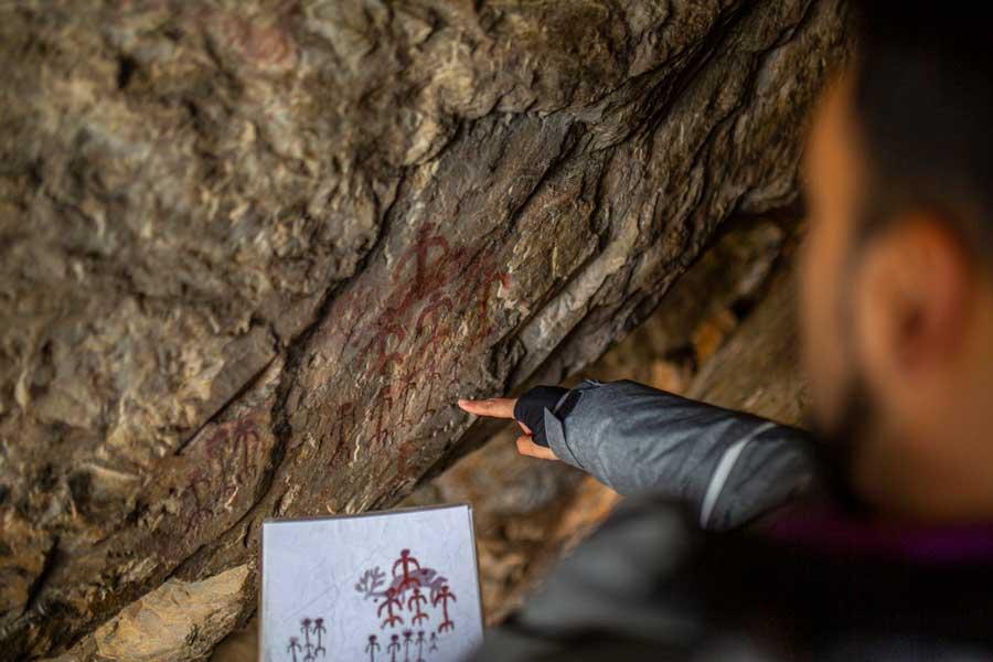51_Pinturas-rupestres-al-abrigo-del-Castillo-de-Monfrague