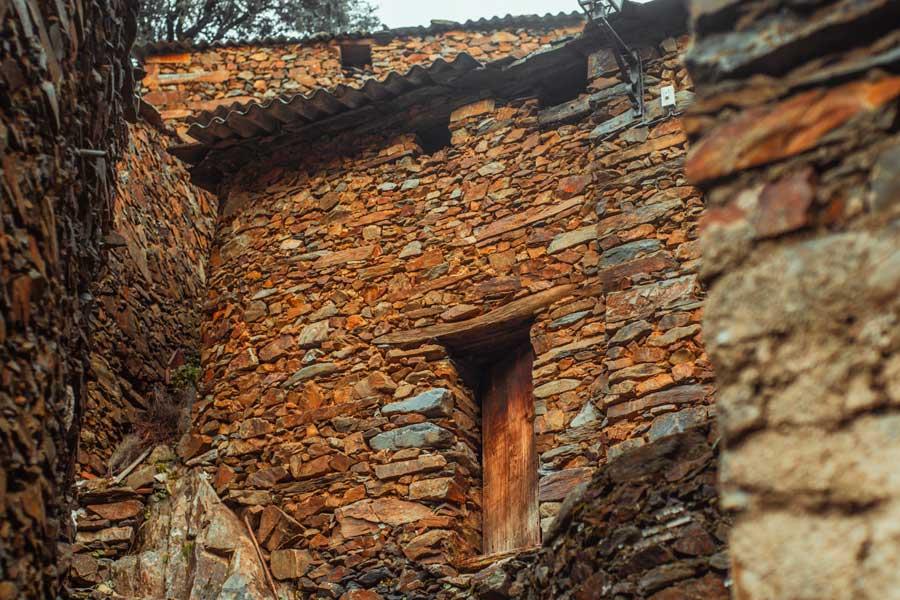 Arquitectura-tradicional-de-las-Hurdes-El-Gasco