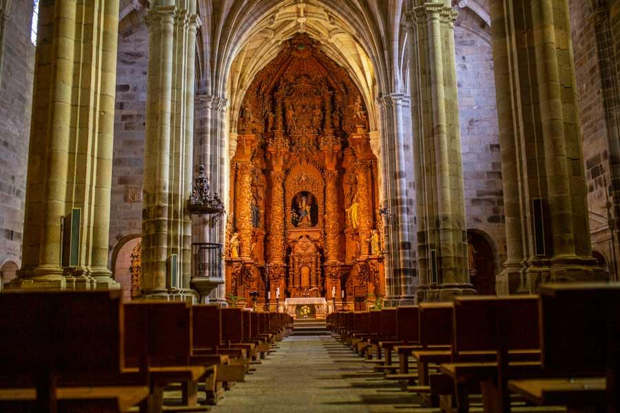 Iglesia-Santa-Maria-la-Mayor-Brozas-tajo-internacional