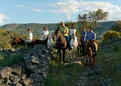 Rutas-a-caballo-bienestar-en-el-medio-rural