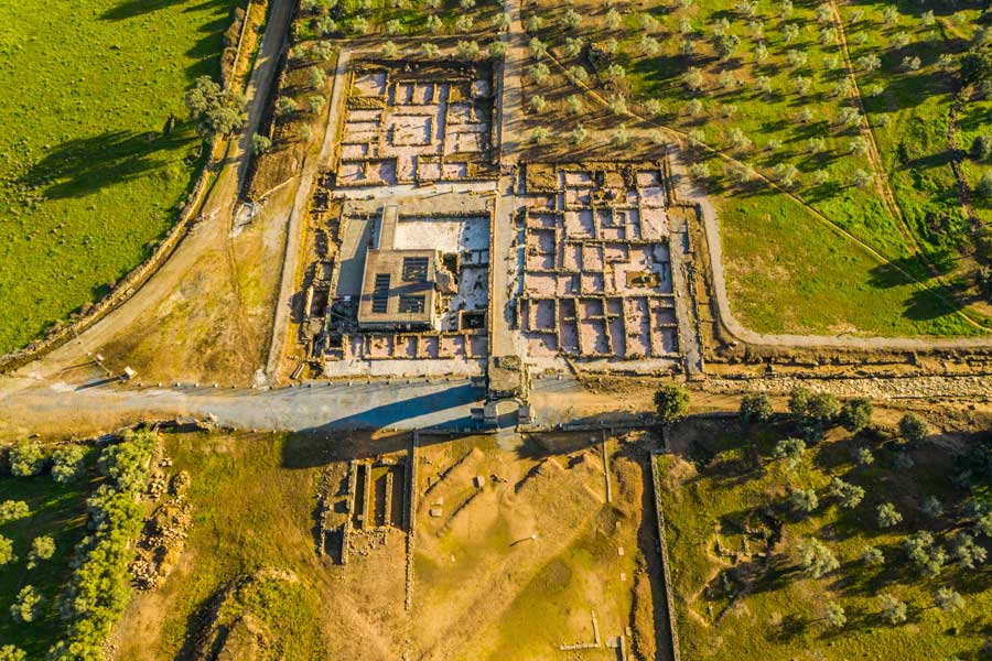 Yacimiento-Arqueologico-de-Caparra-trasierra-granadilla