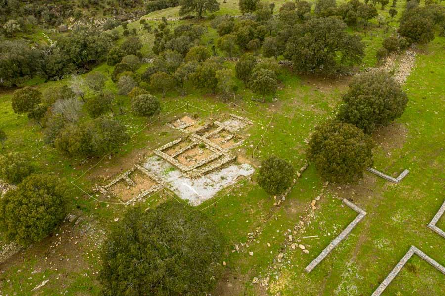 Yacimiento-veton-VIllasviejas-del-Tamuja_Botija-Sierra-de-montanchez-y-tamuja