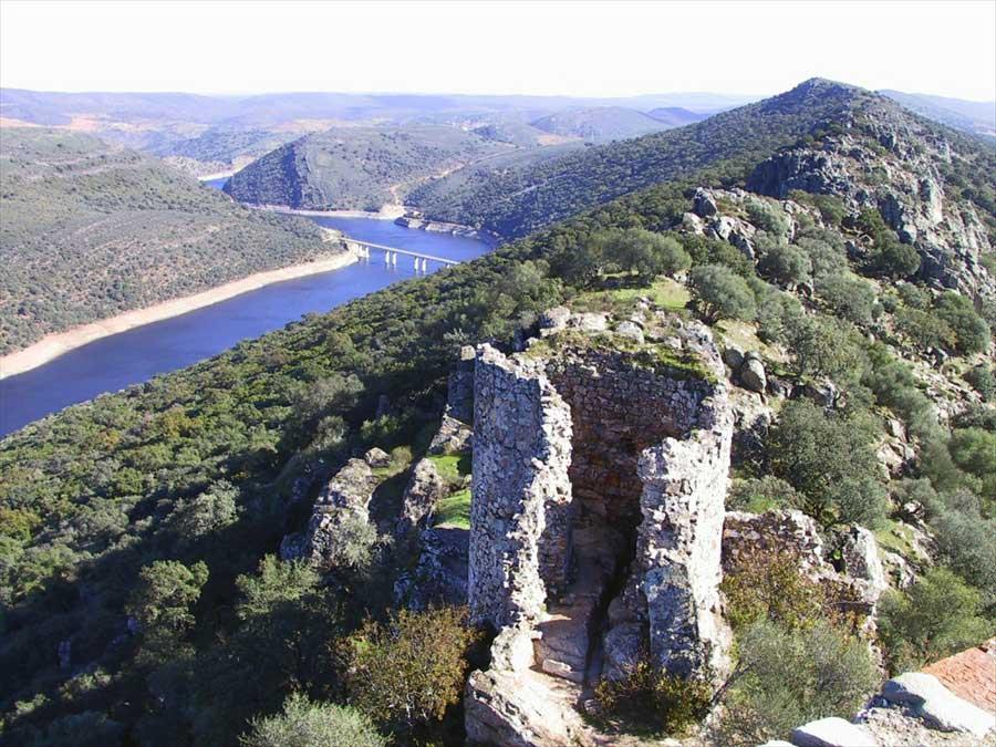 castillo-en-ruinas-monfrague