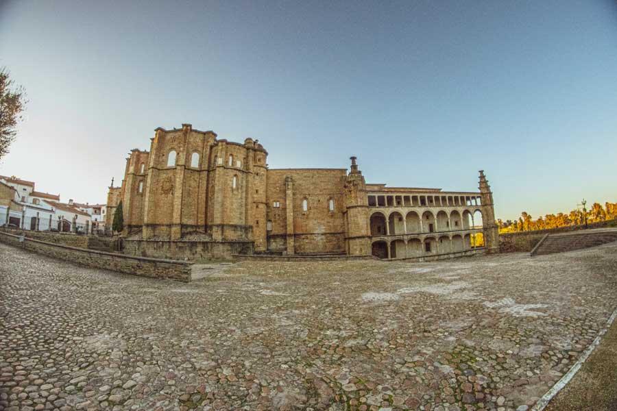 convento-de-San-Benito-Alcantara-tajo-internacional