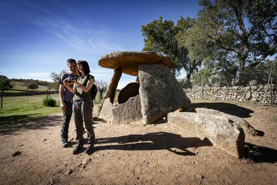 dolmen-el-mellizo-valencia-de-alcantara-tajo-internacional