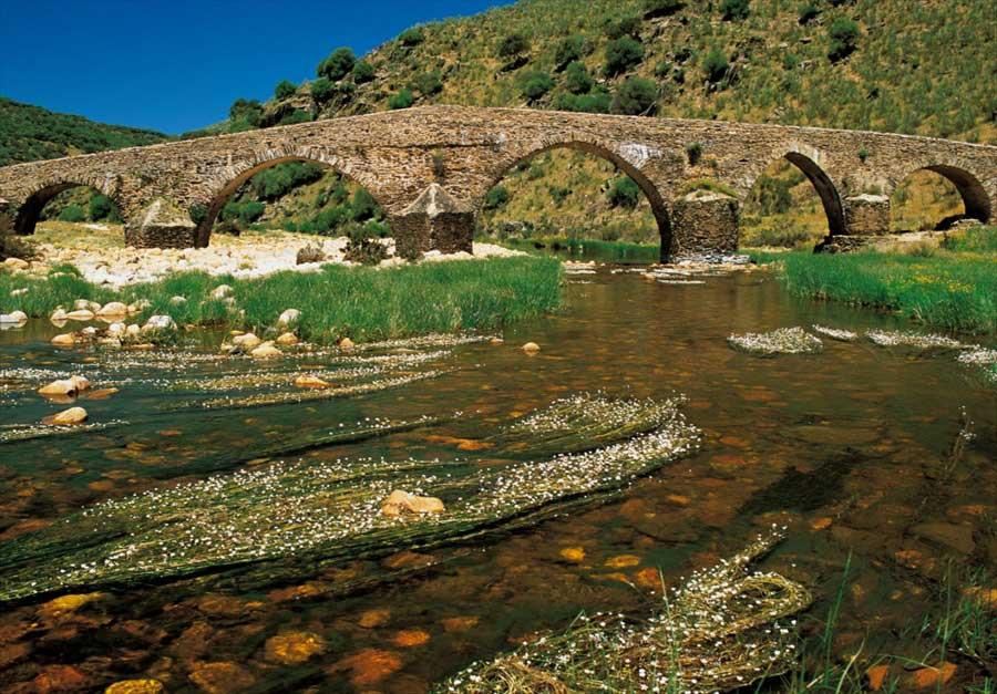 puente-viejo-del-rio-ibor-villuercas-ibores-jara